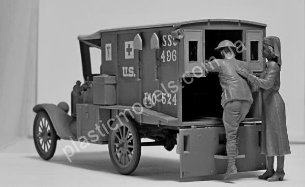 1/35 ICM 35662 Model T 1917 Ambulance with US Medical Personnel