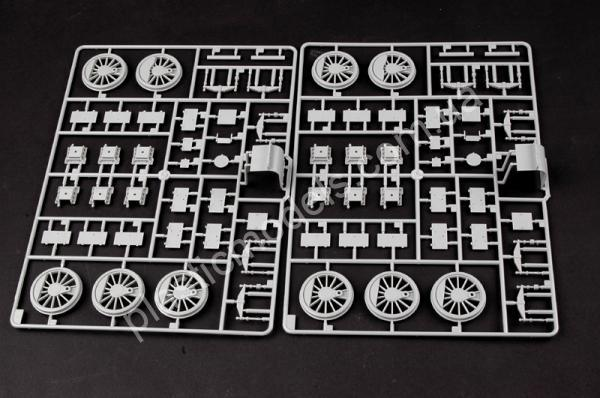 1/35 Trumpeter 00219 German Panzerlok BR57 Armoured Locomotive