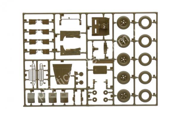 1/35 Italeri 228 Dodge Staff Car WC56